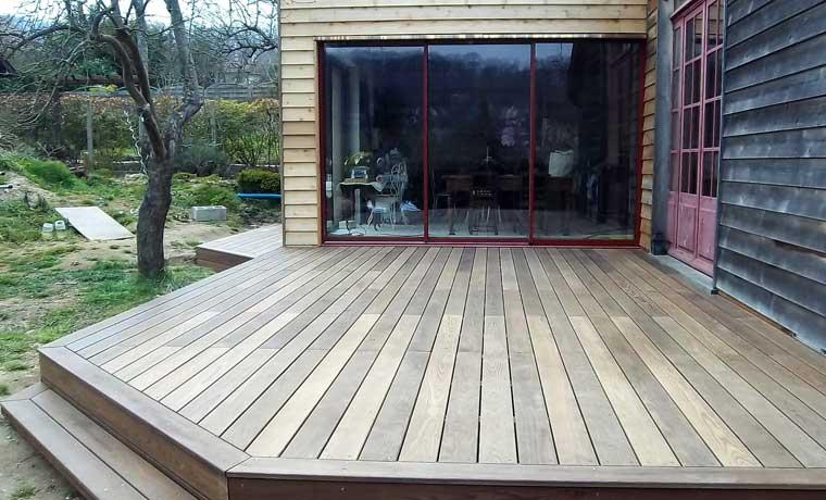 Terrasse en bois réalisée par LES BOIS DE L'AVENIR