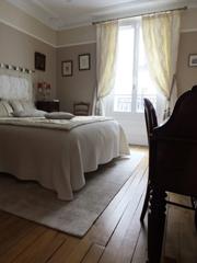 Rénovation d'un appartement à Paris par un artisan RESPIRE : une chambre
